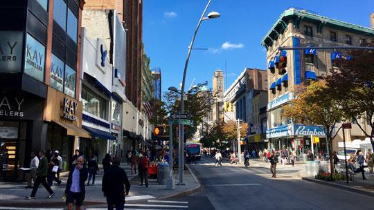 Einkaufen geht in Brooklyn sehr gut.