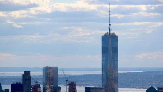 Nicht nur das höchste Gebäude New Yorks, sondern der ganzen USA. Das One World Trade Center.