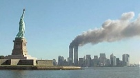 Das World-Trade-Center steht in Flammen. Quelle: Public Domain.